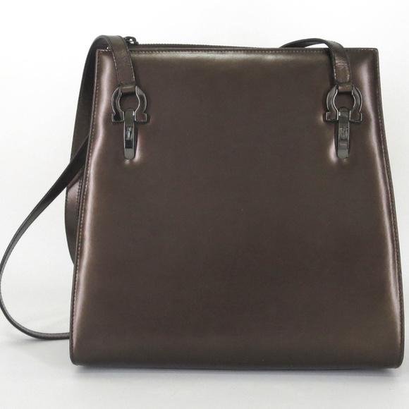 cd02a47f0c ⬇️Salvatore Ferragamo Metallic Bronze Shoulder Bag.  M 5a4b06b83a112ee0700764f2